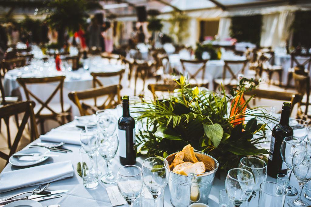 Table decor, greenery, wedding style